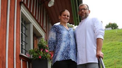 Ramona Eigenmann und Gino Kobi wirten seit fünf Jahren im Restaurant Landhaus in Rheineck. (Bild: Sheila Eggmann)