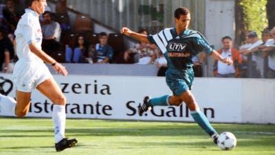 Von Januar 1994 bis Juni 1995 absolvierte Aziz Bouderbala 44 Spiele für den FC St.Gallen. (Bild: PD/Stadtarchiv St.Gallen)