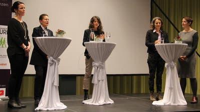 Am Podiumsgespräch diskutierten; von links: Anita Zurfluh, Renata Graf, Gesprächsleiterin Marian Balli, Beatrice Kolvodouris und Jolanda Joos. (Bild: Paul Gwerder, Altdorf, 30. Oktober 2019)