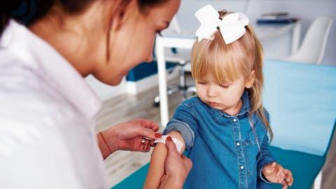 Kinder, die auf der Schwarzen Liste stehen, werden nur noch im Notfall medizinisch behandelt. (Bild: Getty)