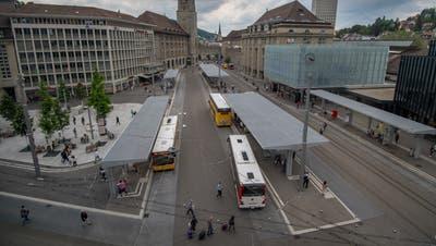 Ein altes, lokalpolitisch aber heikles nimmt die IG öffentlicher Verkehr Stadt St.Gallen mit ihren Forderungen für Verbesserungen ebenfalls auf: Neue Verkehrsbetriebe der Region St.Gallen sollen für eine effizientere Abwicklung des ÖV sorgen. Daran beteiligt müssten die VBSG, die Postautos und der Regiobus, allenfalls auch die Appenzeller Bahnen sein. (Bild: Benjamin Manser - 21. Juni 2019)
