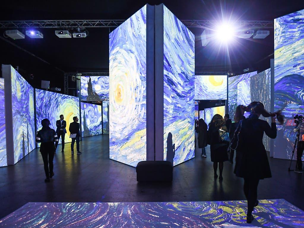 Rundum-Show: Die multimediale Ausstellung «Van Gogh Alive - The Experience» ist intensiv für alle Sinne. (Bild: KEYSTONE/Ti-Press/ALESSANDRO CRINARI)
