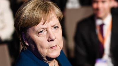 Die deutsche Bundeskanzlerin äussert sich kaum zu den Vorgängen in ihrer Partei. (Bild: Clemens Bilan/EPA, Berlin, 12. November 2019)