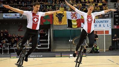 Nach Silber im Vorjahr streben Lukas Burri und Fabienne Hammerschmidt in Basel den Weltmeistertitel an. (Bild: PD/Kunstradfahren Uzwil)