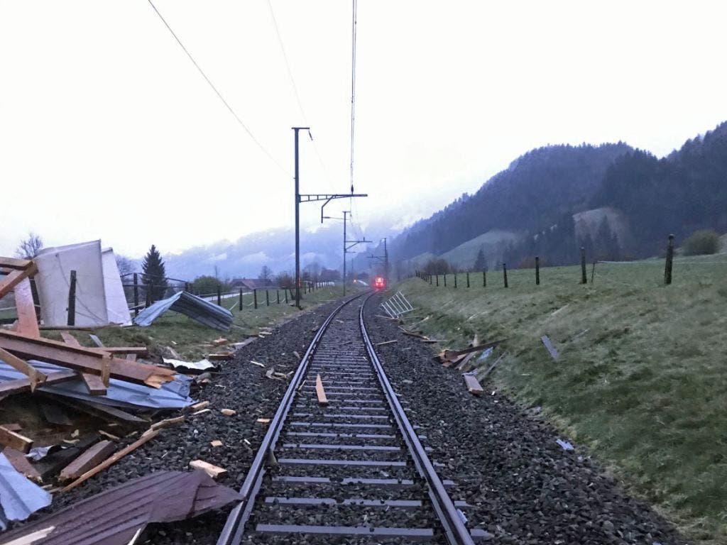 Verletzt wurde bei dem Unfall niemand. Die Höhe des Sachschadens ist unbekannt. (Bild: Luzerner Polizei)