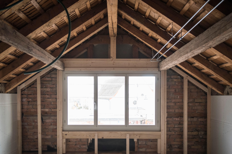 So sieht es in einem Zimmer in der Dachgeschosswohnung des Freihofs aus. (Bilder: Lisa Jenny)