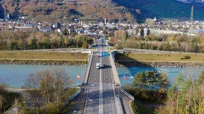Rheinbrücke Buchs-Schaan wird zur Grossbaustelle