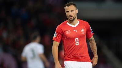 Haris Seferovic verletzte sich beim Aufwärmen an der Wade und konnte gegen Georgien nicht spielen. Sein kurzfristiger Ersatz war Ruben Vargas. (Bild: Toto Marti/freshfocus)