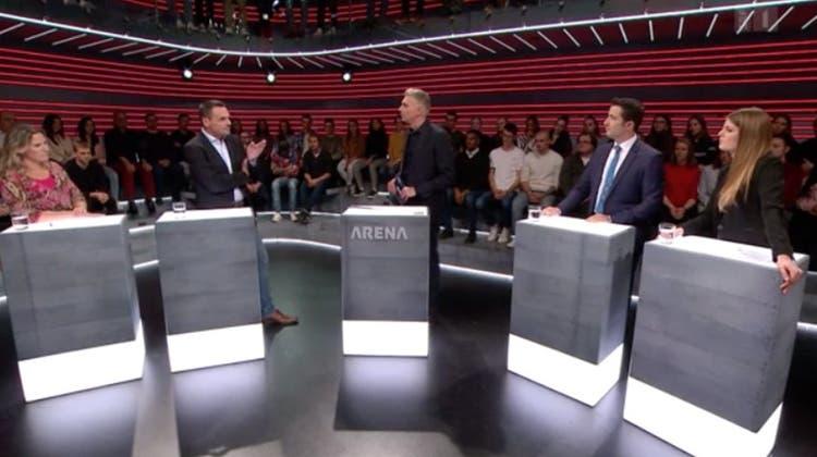 Moderator Sandro Brotz (Mitte) mit seinen Gästen Andrea Geissbühler (SVP), Ruedi Löffel (EVP), Andrea Caroni (FDP) und Ronja Jansen (Juso, v.l.n.r.) (Quelle:screenshot)