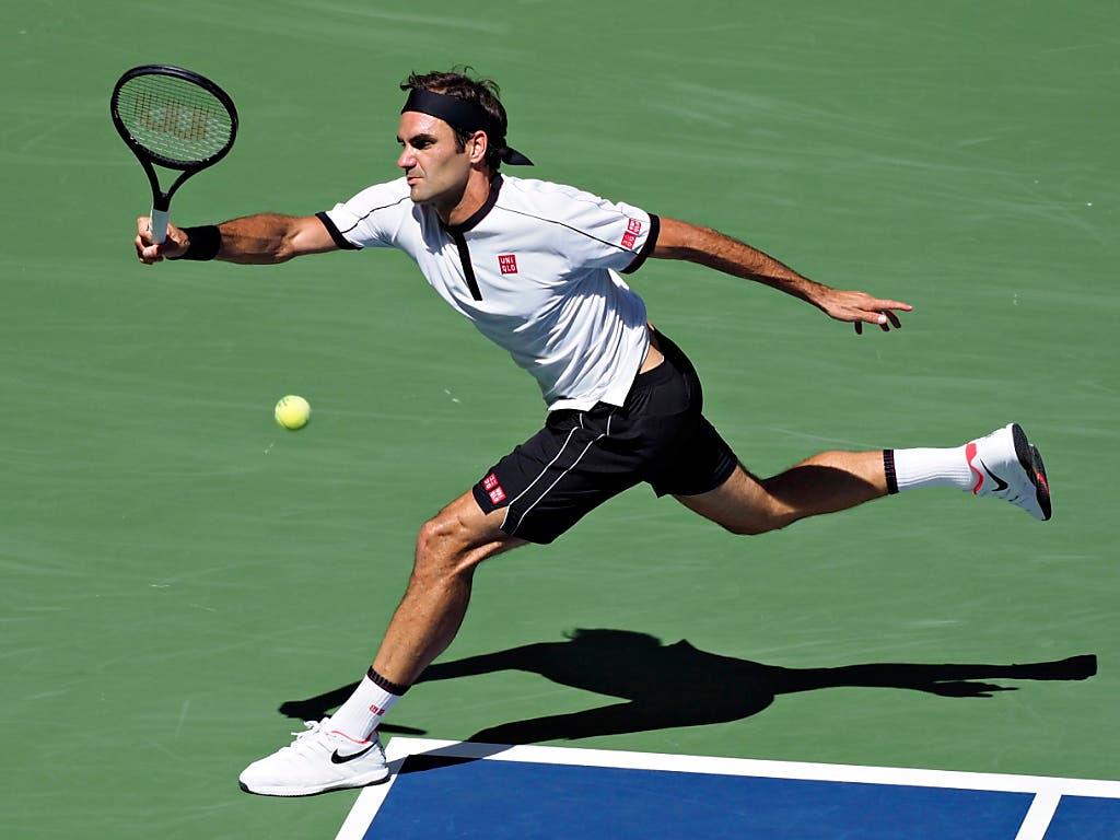 Dynamisch, fit und motiviert wie immer: Roger Federer will auch 2020 wieder angreifen. «Ich freue mich jetzt schon auf die neue Saison», erklärte er in London (Bild: KEYSTONE/EPA/RAY ACEVEDO)