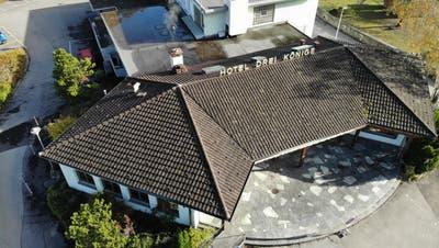 Gib es ein Ja zum Baukredit, sind die Tage des ehemaligen Restaurants gezählt. (Bild: Heini Schwendener)