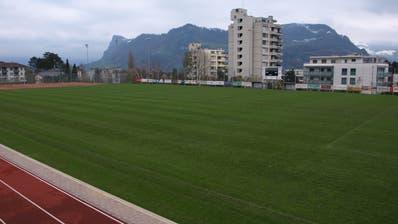 Der Sportplatz Grossmatt soll für 1,86 Millionen saniert werden und einen Kunstrasen erhalten. (Bild: Kurt Liembd, Hergiswil, 19. November 2019)