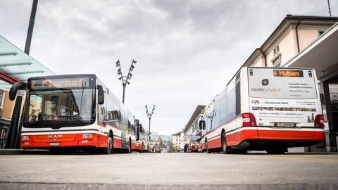 Stadtbusse am Bahnhof Frauenfeld. (Bild: Andrea Stalder)