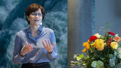 Sie will: Die Präsidentin der Grünen kündigt vor den Medien an, dass sie für den Bundesrat kandidiert. (Bild: Peter Klaunzer/Keystone)