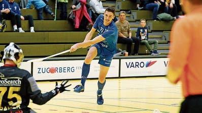 Daniel Uhr (in Blau) und seine Zuger Teamkollegen sind in der Saison bislang erfolgreich unterwegs. (Bild: Stefan Kaiser, Zug, 17. November 2019)