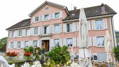 Das Restaurant Krone in Altnau wird zum Gästehaus umgebaut und saniert. (Bild: Donato Caspari)