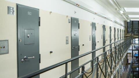 Unerwartete Entwicklung: Die Kriminalität sinkt, aber mehr Jugendliche landen im Gefängnis
