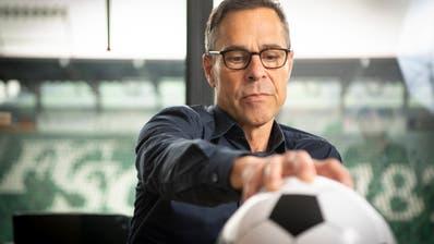 Wird sich künftig auch um die Führung und Budgets der Swiss Football League kümmern: Matthias Hüppi, Präsident FC St.Gallen. (Bild: Ralph Ribi)