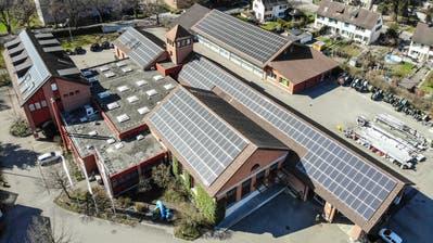 Grosse Fotovoltaikflächen auf den Dächern der Werkbetriebe Frauenfeld. (Bild: Reto Martin)