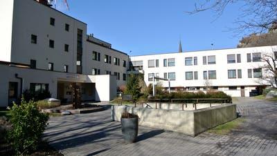 Die Regierung möchte auf der «grünen Wiese» ein neues Landesspital bauen. Das alte ist in die Jahre gekommen. (Bild:pd)