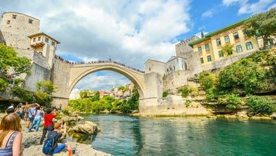 In Mostar, Bosnien und Herzegowina, lassen sich im Jahr 2020 25 Frieden in Ex-Jugoslawien feiern. Beste Reisezeit: Mai. (Bild: Shutterstock)