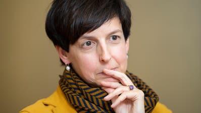 «Entweder man lernt einzustecken oder man hört auf mit der Politik»: Susanne Hartmann. (Bild: Urs Bucher)