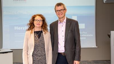 Stabsübergabe im Präsidium von Luzern Plus: Michèle Graber wurde zur Nachfolgerin von Pius Zängerle gewählt. (Bild: PD)