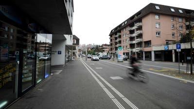 Die Kantonsstrasse in Horw. Das Ortszentrum ist seit rund 10 Jahren dank Tempo 30 und Umfahrungsstrasse verkehrsberuhigt. (Archivbild LZ)