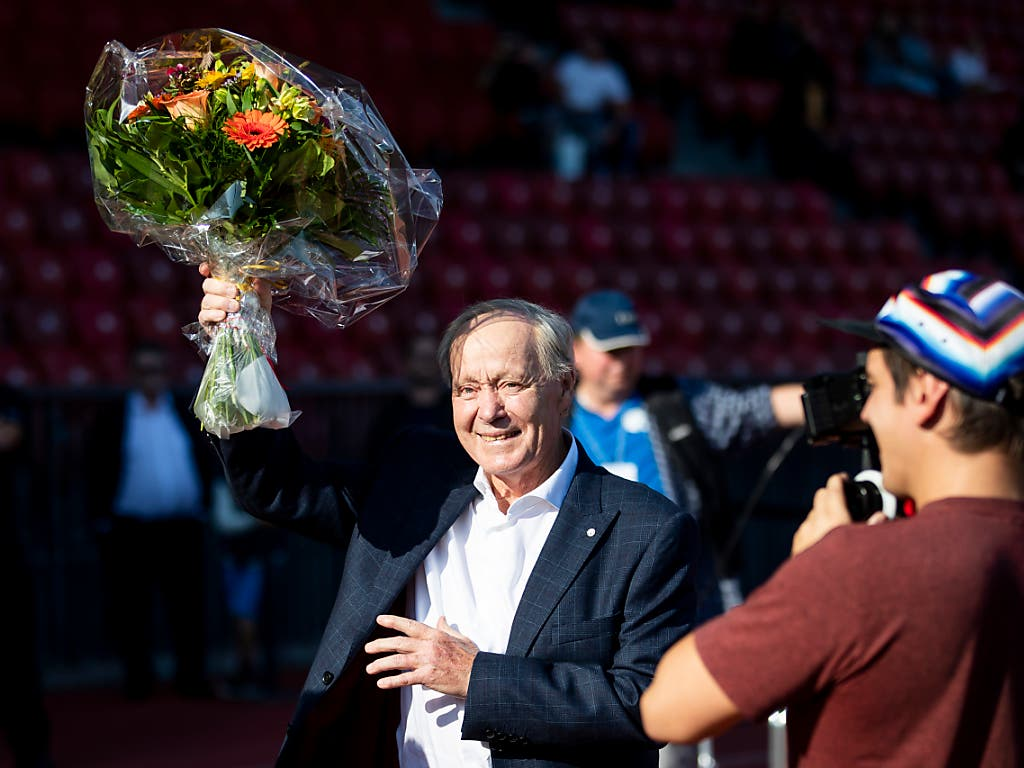 Als Spieler (1960 - 1977) war Jakob Kuhn berühmt und vielleicht der beste Schweizer seiner Zeit. Als Nationaltrainer (2001 - 2008) war er populär. Im Volk war er durch alle Generationen und Schichten hindurch einfach «Köbi». Das Foto entstand im September 2018, wenige Tage vor seinem 75. Geburtstag (Bild: KEYSTONE/CHRISTIAN MERZ)
