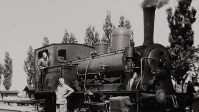 Dieses «Tigerli» mit der Nummer 8485 versah den Dienst im Bahnhof Buchs, stehend Lokführer Paul Beerle. (Bild: Archiv Hansruedi Rohrer)