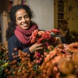 Yohana Okbaselasie an ihrem Arbeitsort im Amriswiler Blumenladen Ginkgo. (Bild: Reto Martin)