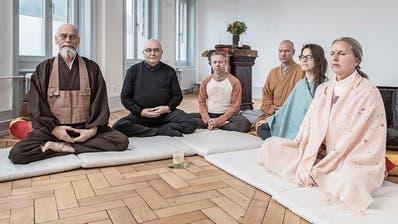 Engagieren sich für die Meditationswoche «Luzern hält inne» (von links): Othmar Wüest, Roman Grüter, Pascal Portmann, René Felix, Bettina Baumgartner und Rita Kaufmann. (Bild: Pius Amrein, Luzern, 21. November 2019)
