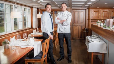 Geschäftsführer Pascal Pieth und Küchenchef Heiko Berchner (v.l.) im Restaurant der «Krone». (Bild: Urs Bucher)