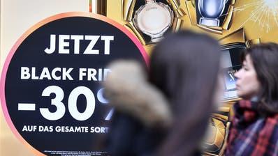 Black Friday an der Zürcher Bahnhofstrasse. (Bild: Keystone)
