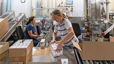 Ein Grossteil der Produktion von Verbandsmaterial der Wernli AG wird in die EU verlagert. (Bild: Alex Spichale (Rothrist/27. November 2019))