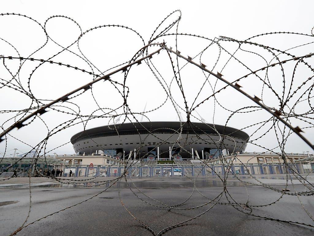 Sieht aus wie ein UFO: Das Fussball-Stadion von St. Petersburg (Bild: KEYSTONE/EPA/ANATOLY MALTSEV)