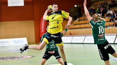 Keiner schiesst so scharf wie Zweimetermann Dominik Jurilj. (Bild: Ralph Ribi)
