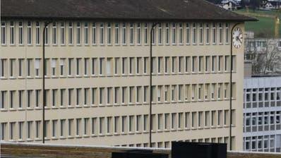 Das Zuger Stadthaus. Die Unstimmigkeiten in der Kulturkommission haben zu drei Rücktritten geführt. (Bild: Stefan Kaiser, Zuger Zeitung)