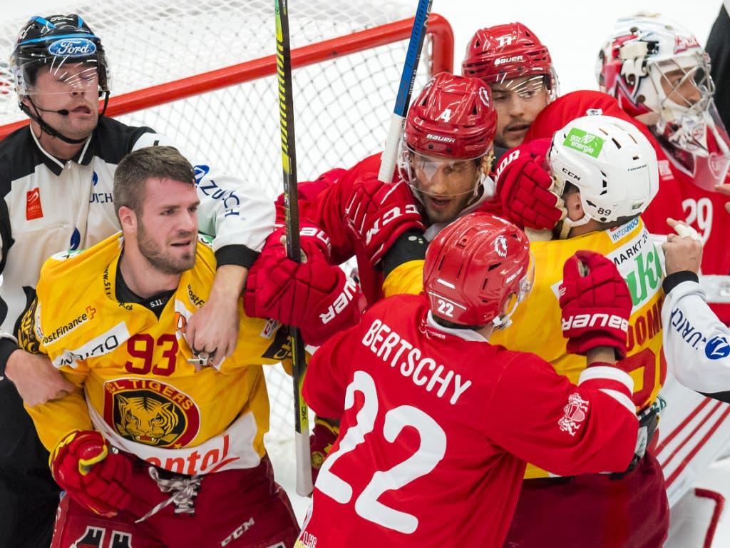 Im Schlussdrittel war die Partie zwischen Lausanne und den SCL Tigers (4:3) plötzlich noch umkämpft