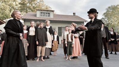 Mit dem Freilichtspiel «Die Stickerin» im Münchwiler Alfred-Sutter-Park zeigte die Bühne Thurtal 2016 letztmals eine Produktion im Hinterthurgau. (Bild: Donato Caspari,Juli 2016)
