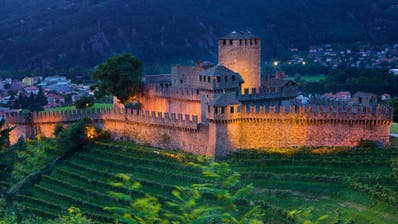 Das Tessin hätte viel zu bieten. Zum Beispiel das Schloss Montabello in Bellinzona. (Bild:Roland Gerth)