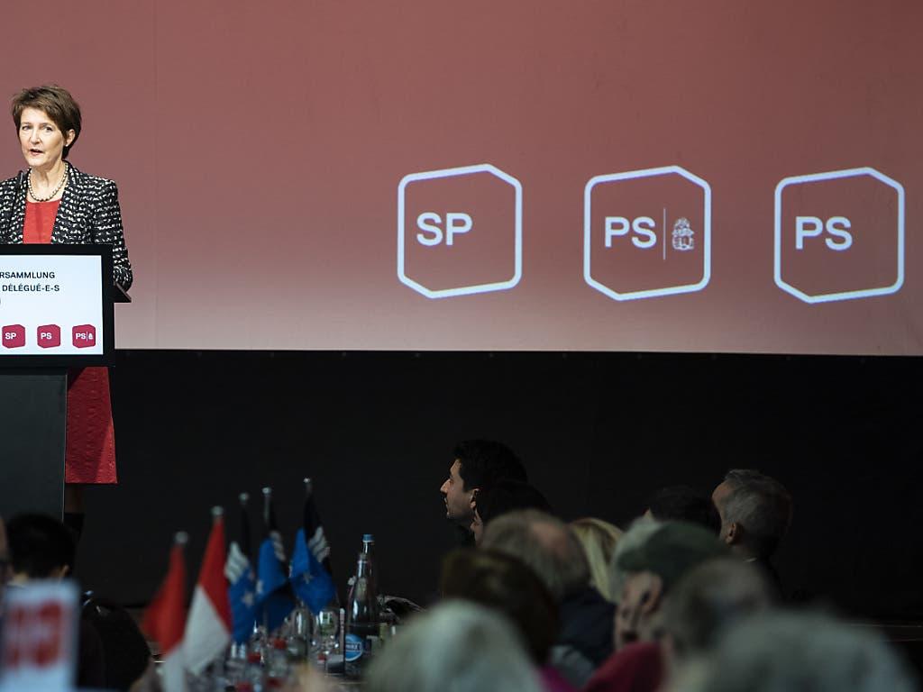 Bundesrätin Simonetta Sommaruga ist überzeugt, dass eine geschickte Klimapolitik neue Arbeitsplätze schafft. Das machte die Umwelt- und Energieministerin vor den SP-Delegierten in Bern deutlich.