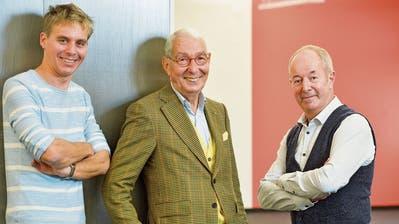 Drei flotte Herren: DJ Reto Scherrer mit Heinz Belz (OK-Präsident Benefiz-Schlagernacht) und Peter Gall vom Jugendprojekt Lift. (Bild: Donato Caspari)