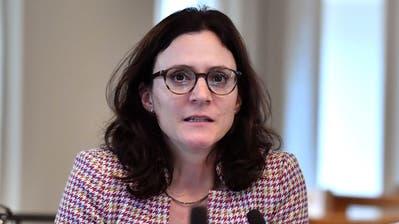 Yvonne Suter im St.Galler Kantonsparlament (Bild: Regina Kühne, Septembersession 2019)