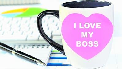 Wenn Vorgesetzte und Untergebene sich verlieben, kann es kompliziert werden. (Bild: Getty)
