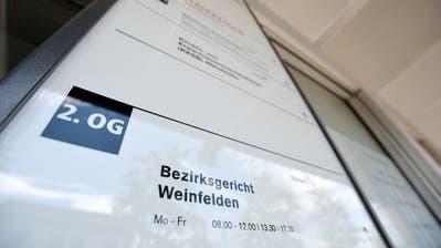 Das Bezirksgericht in Weinfelden verurteilte einen Bauern und seinen Sohn wegen mehrfacher Tierquälerei. (Bild: Reto Martin)