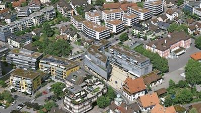 Der Gemeinde Baar – im Bild das Zentrum mit der Verwaltung – geht es finanziell gut. (Bild: Beat Krähenbühl/Flying Camera, 16. August 2018)