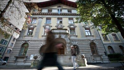 Der Kampf um die Stadtratssitze ist lanciert: Alle grossen Parteien haben ihre Stadtrats-Kandidaten offiziell nominiert. (Bild: Boris Bürgisser, Luzern, 14. Oktober 2014)
