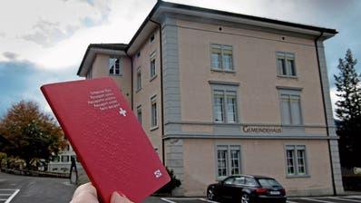 Künftig soll in Sachseln im Gemeindehaus über den Schweizer Pass entschieden werden. (Bild: Corinne Glanzmann, 6. November 2019)