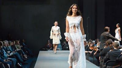 Glitzer, Glamour und Geldflüsse: Luzerner Modeschau erhält Geld von Gönnerverein der Pro Senectute